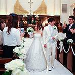 富山セント・マリー教会&迎賓館VICTORIA:かけがえのない人たちに誓いのシーンを見届けてもらえた教会式。外でのアフターセレモニーもにぎやかに!