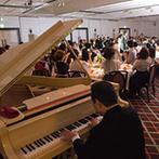 ホテルキャッスル(HOTEL CASTLE):父のピアノ演奏での入場は最高の思い出に。テーブルラウンドで行った光の演出でゲストとの絆も深まった