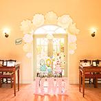 ララマリー(アニエスガーデン山口):パーティ会場だけでなく、ロビーなど貸切空間をふたりらしく飾り付け。五感で楽しむ美味しい料理に舌鼓