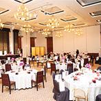 ホテル日航大分 オアシスタワー(旧 大分オアシスタワーホテル):感動的な結婚式に列席し、ここなら特別な一日が叶うと安心できた。上質な雰囲気のパーティ会場も魅力的
