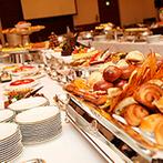 ホテル日航大分 オアシスタワー:最上階の「エトワール」と、開放的な「孔雀の間」でのパーティ。それぞれ美味しい料理でゲストをおもてなし