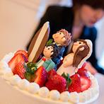 ONE&ONLY ル・グラン・ミラージュ:明るい雰囲気のパーティ会場を、夏らしくコーディネート!ケーキカットや写真撮影で温かなムードとなった