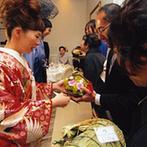 ロイヤルガーデン 大阪梅田:笑顔のスタッフに囲まれて楽しく準備。ふたりの都合に合わせて柔軟に対応してくれるプランナーに感謝