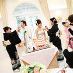 迎賓館ヴィクトリア福井&ヴィクトリアフォレスト:美食通の憧れを集めるレストランの料理に、絶賛の声も多数。披露宴でも両親への感謝のセレモニーが行われた