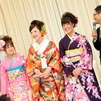 迎賓館ヴィクトリア福井&ヴィクトリアフォレスト:三姉妹が揃って、色とりどりの和装をお披露目。ゲストとの触れ合いや余興もアットホームな雰囲気で満喫