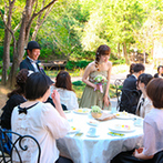 森の邸宅 彩音:開放的なガーデンでデザートタイム&再入場。当たり付きのケーキを振る舞い、ゲストに楽しんでもらった