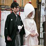 金沢ニューグランドホテル:ホテルで支度を済ませたふたりは、花嫁タクシーで神社へ。担当スタッフを指名でき、安心して挙式に臨めた