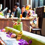 太宰府迎賓館(旧THE アルカディア太宰府):和装にもドレスにも合う和モダンの会場をふたり色に。斬新な和のウエディングケーキにゲストもびっくり