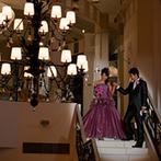 アルモニー ビアン (国登録有形文化財):階段からの入場は、映画のワンシーンのように優雅!歴史あるピアノが奏でる音色もゲストを心地よく酔わせた