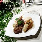 FINCH of amazing diner:ゲストが事前に選べる料理に、期待度もアップ。新婦がこだわった装花も相談を重ねて大満足の出来映え