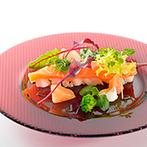 Flairge Sweet(フレアージュ スウィート):装飾やアイテムをグリーンで合わせて統一感のある空間に。器や食材など細部にまでこだわった料理が大好評