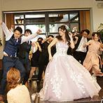 LISERJU Ravimore(リサージュ ラヴィモア):サークル仲間20名で、念願のダンスパフォーマンス!評判のデザートビュッフェには、郷土色豊かなメニューも