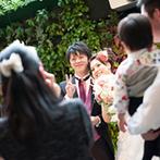 宮の森フランセス教会:ナチュラルな装花で、開放感あふれるガーデンパーティを演出。派手な演出より、ゲストとの交流をメインに