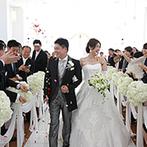 ホテル日航新潟:大好きな新潟の風景と、柔らかな光に包まれる誓いの舞台。ゲストにも参加してもらい、和やかな雰囲気に