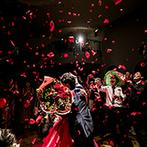 ピエトラ・セレーナ:クライマックスは新郎から新婦へのサプライズ!バラの花びらが舞うドラマチックなシーンに感動は最高潮
