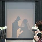 ORIENTAL KYOTO SUZAKU-TEI 朱雀邸:木の香りが漂うチャペルは、天井も高く開放的でゲストからも好評。初めての演出に最初から涙する友人も
