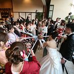 YOKKAICHI HARBOR 尾上別荘:パーティの後半はテラスでケーキカットやブーケプルズ!新郎新婦による楽器演奏にゲストも聴き入った