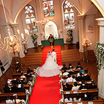 セント・パトリック教会:本格的な教会での挙式&友人とアットホームに楽しめる1日2組貸切の披露宴会場。理想の空間にときめいた