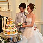 セント・パトリック教会/ウェリントンマナーハウス:シャンデリアがきらめく華やかな空間を大好きなもので埋め尽くした。こだわりのケーキも最高のできばえ