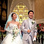 Monterfare(モンテファーレ):天井の繊細な装飾や、18mもの長いバージンロードなど、本格的な大聖堂で誓う愛。花嫁姿が美しく輝いた