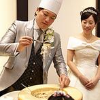 Art Bell Ange(アールベルアンジェ):コック帽をかぶった新郎の登場に、会場から大歓声!臨場感あふれる食のパフォーマンスでゲストをもてなした
