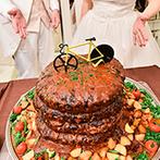 シャルマンシーナ TOKYO:特大ハンバーグタワーへの入刀はインパクト抜群!種類豊富なスイーツが並ぶデザートビュッフェも人気