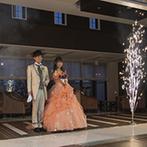 ラヴィール金沢:ピンクオレンジのドレスでの再入場は、花火のサプライズと共に!キャンドルの灯もシーンを幻想的に彩った