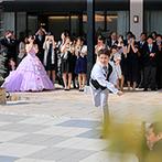 スタイリッシュウェディング ヴィーナスコート 佐久平:プレゼント付のバルーンスパークやガーデンでのストラックアウトの演出で、ゲストと一体となったパーティ
