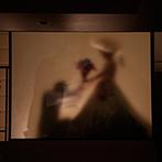 クイーンズコート グランシャリオ:お色直しの再入場はとびきりロマンチックな雰囲気を楽しんだ。披露宴後は会場を変えて友人たちと1.5次会!