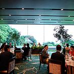 ジェームス邸(神戸市指定有形文化財):貸切空間を丸ごとふたりらしくアレンジ!ナチュラルに飾り付けられた空間で、ゲストは自然とリラックス