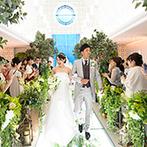 THE MARCUS SQUARE KOBE (ザ マーカススクエア 神戸):ゲストの移動の負担が少ない駅直結のホテル。季節の花々で彩られたチャペルの美しさに心を奪われた
