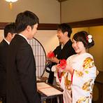 日本料理 つば甚:新郎新婦の永遠の愛、ゲストとの絆を水引が強く結ぶ金沢らしい人前式。ゲストからも「感動した」との声が