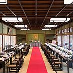 日本料理 つば甚:料理も景色もゲストに喜ばれること間違いなし!理想とする大宴会に欠かせない、舞台付きの会場も魅力