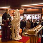 日本料理 つば甚:兼六園に隣接している金澤神社で厳かな神前式。花嫁支度やタクシーの手配など、細やかなサポートに安心感