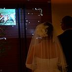 KOTOWA 京都 八坂(コトワ 京都 八坂):光に満ちた純白のチャペルで誓った永遠の愛…。入場前の父と娘、ふたりだけの時間もかけがえのない思い出に