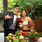 桜苑(ouen):茶室がたたずむ庭園を一望できる貸切邸宅。美味しそうに飾り付けられたローストビーフでファーストバイトも