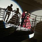 Ciel Belle Terre(シエル べル テール):大階段からの再入場は、シルエット演出でゲストの視線を釘付け。よさこいの舞も、ガーデンを使って盛大に