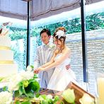 アルカンシエル luxe mariage大阪:4つのパーティステージの中からバリテイストの会場をセレクト。自然光が注ぐリゾート空間にこだわりを反映