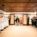 THE KIKUSUIRO NARA PARK (菊水楼):プランナーが描くコンセプトボードをもとに、ドレスや装花スタッフが一致団結。ふたりの理想が見事に形に