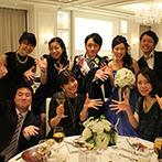 アルマリアン TOKYO:ゲスト一人ひとりとの時間を大切にしたパーティ。新郎のサプライズムービーに会場が感動に包まれた