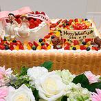 セントミッシェル ガーデンウェディング:ゲストの意表をついたサプライズ入場は大成功!新婦デザインのオリジナルケーキも大満足の仕上がり