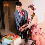 セントミッシェル ガーデンウェディング:ウエルカムボードを見事に再現したオリジナルケーキに入刀!新婦から新郎へ心を込めた手紙で感動的なムード
