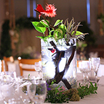Terrace on The Garden:「海と森の中の結婚式」をテーマに、非日常的な世界へゲストを招待。新郎の職業を活かした熱帯魚の水槽も