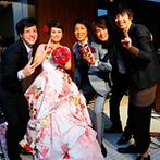 ホテルマリノアリゾート福岡:同僚や友人からの祝福DVD、「theSoul(ザ・ソウル)」によるバンド演奏など、サプライズの嵐に全員が感激!