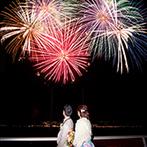 エシェル ドゥ アンジェ:サプライズ入場やブーケトス、海外ゲストの余興など盛りだくさん。ラストは感動の花火で締めくくった