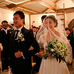 Baum(バウム):ゲストとの距離を近くに感じるチャペルで叶えた教会式。大切な人たちの笑顔に囲まれて、ふたりは幸せを実感