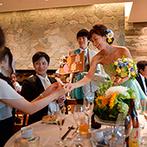 LOS ANGELES BALCONY RESTAURANT&BAR(ロサンジェルス バルコニー レストラン&バー):旬の花や果物を使ったトータルコーディネート。アイスバーラウンドで、ゲストを夏らしくもてなした