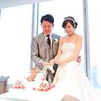 The 33 Sense of Wedding(ザ・サーティスリー センス・オブ・ウエディング):オリジナリティ満載の会場コーディネートが話題。夜景が映える森のような空間にふたりらしさが光った
