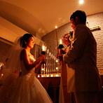 ホテルグリーンタワー幕張:両親との思い出やキャンドルの灯など、たくさんの温かみを感じる挙式。美しい音楽も感動を引き立てた