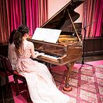 ザ・コンダーハウス(THE CONDER HOUSE):ビンテージのグランドピアノが奏でる、母親との思い出の曲。心をこめて弾いた調べに温かな感動が広がった